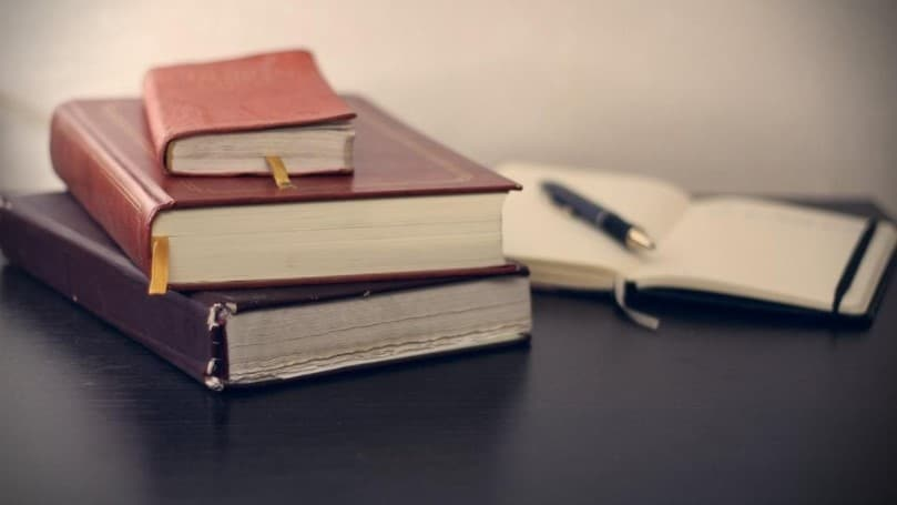 kirakosian-law-books